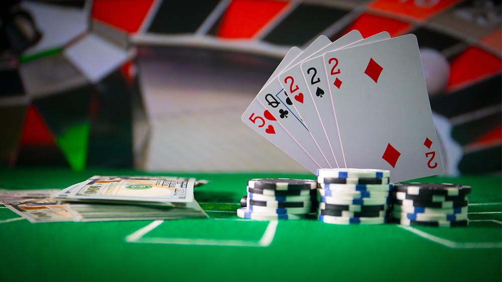 Как играть в онлайн казино без вложений и выводить деньги